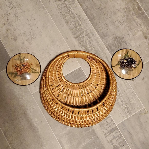 Vintage Other - Dried Round Flower Pictures & Wall Boho Basket